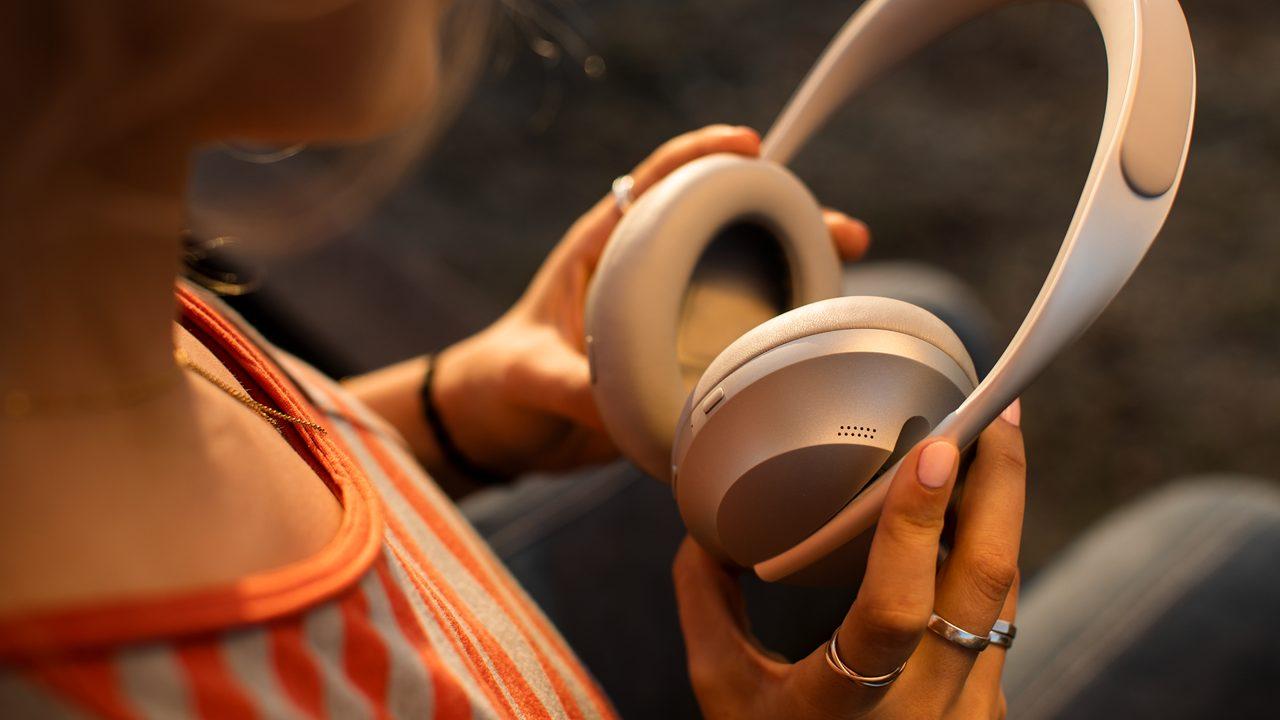 Bose Noise Cancelling Headphones 700: Tai nghe chống ồn mới nhất của Bose