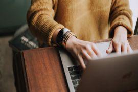 Liệu có nên mua laptop online?