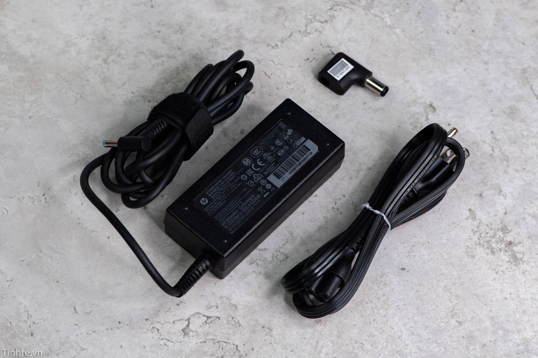 Trên tay sạc dự phòng HP Power Pack Plus 18000, tích hợp túi, kèm sạc laptop HP