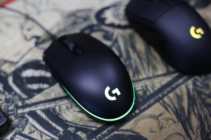 Đánh giá chuột chơi game Logitech G-Pro Hero